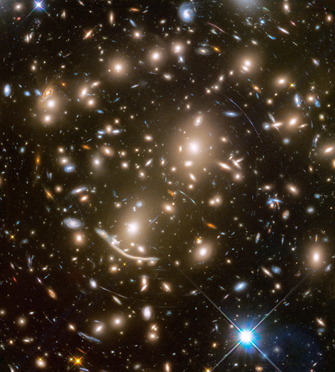 The massive galaxy cluster Abell 370 as seen by Hubble Space Telescope in the final Frontier Fields observations.